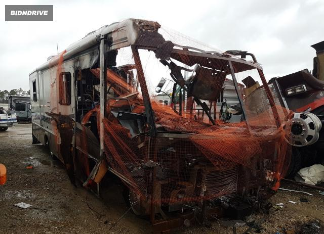 Lot #1662028950 1999 WORKHORSE CUSTOM CHASSIS MOTORHOME salvage car
