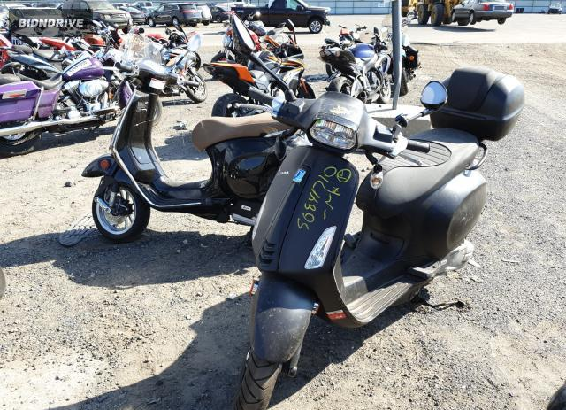 Lot #1690157082 2020 VESPA SCOOTER salvage car