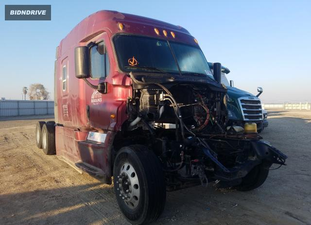 Lot #1693560512 2015 FREIGHTLINER CASCADIA 1 salvage car