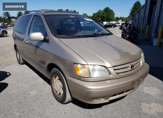 Lot #1719075492 2001 TOYOTA SIENNA LE salvage car