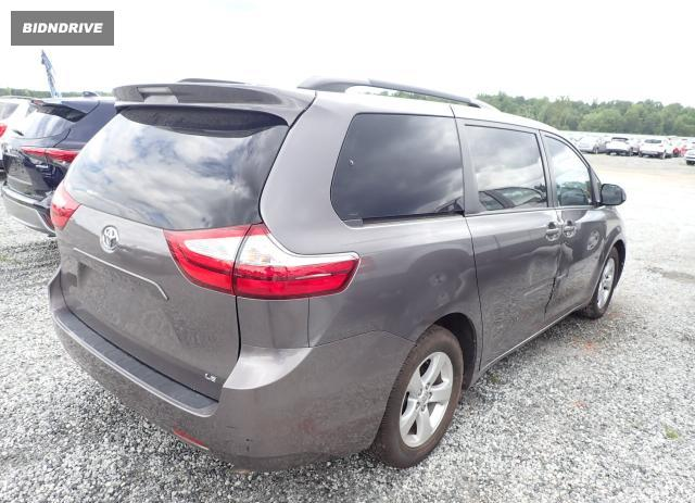 Lot #1733681785 2015 TOYOTA SIENNA LE salvage car