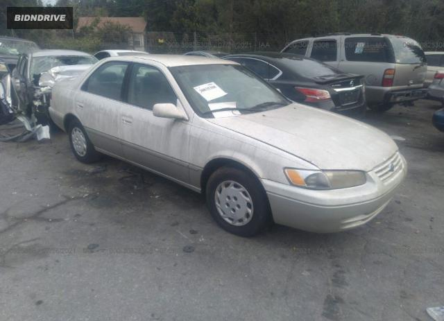 Lot #1738808910 1999 TOYOTA CAMRY LE/XLE/CE salvage car