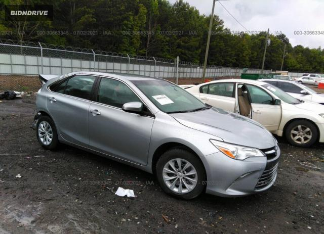 Lot #1738810125 2017 TOYOTA CAMRY XLE/SE/LE/XSE salvage car
