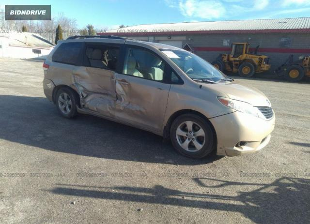 Lot #1758723235 2011 TOYOTA SIENNA LE salvage car